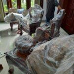 Đóng gói đồ đạc trước khi vận chuyển